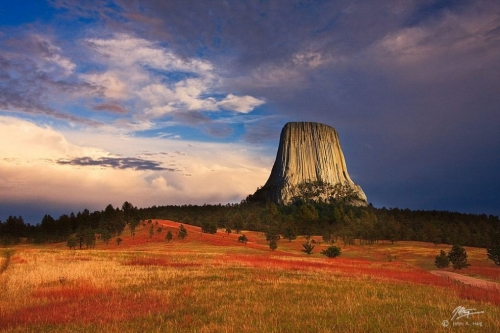 devils-tower-photo-by-john-haig-980x654